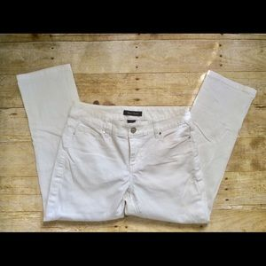 WHBM White Cropped Ankle Jeans 26 X 23 Side Zip